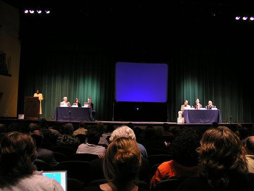 ब्लॉग नैशविल गोष्ठी में पहले सत्र की चर्चा का दृश्य